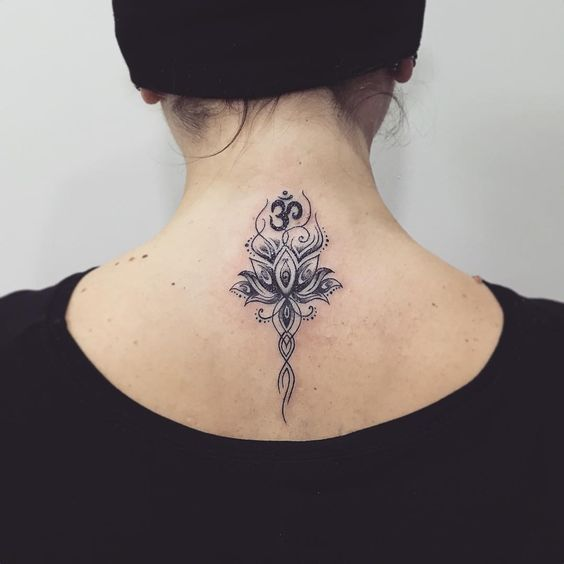 tattoo on the back of the neck 34