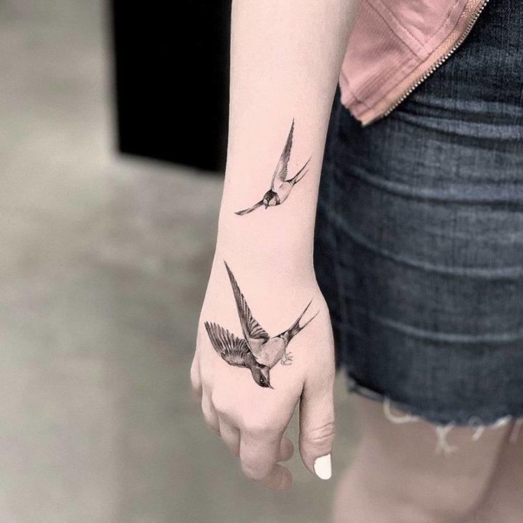 best swallow tattoo ideas