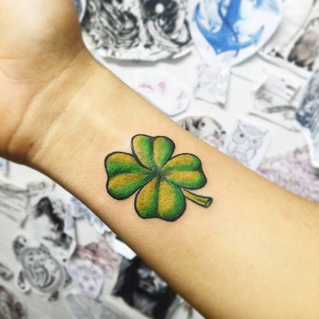 shamrock tattoo ideas 17