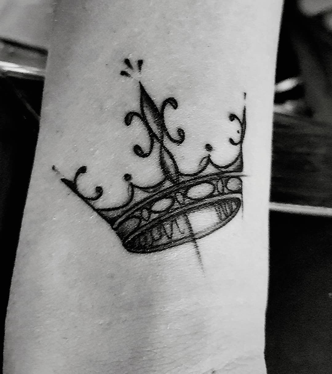 Crown tattoo picture