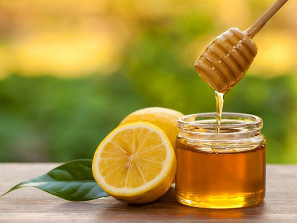 Boost Your Beauty With Honey And Lemon