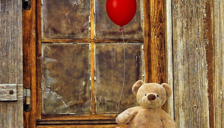 good-morning-with-teddy-bear-and-balloon